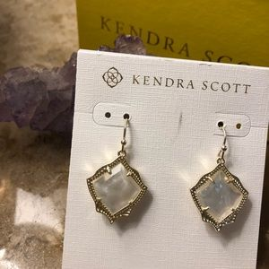 NWT Kyrie Drop Earrings